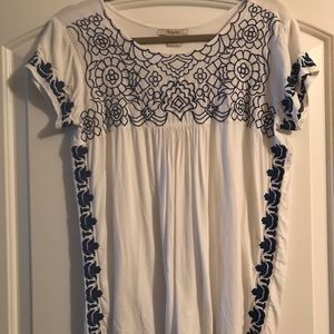 Ariat women's top size M/M embroidered bodice nice